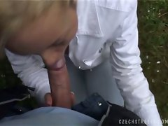 Blonde czech amateur tereza blowing big cock in hot outdoor pov