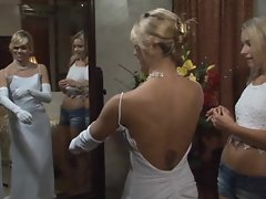 Married homewrecker Marlie Moore sheds her wedding dress to eat some snatch