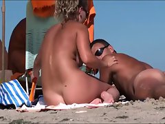 Spy cam at the beach 3