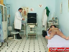 Redhead filthy bitch pussy checkup at kinky hospital