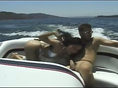 Alluring brunette slut satisfying boner in yacht
