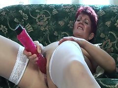 Older super-bitch needs hard shaft in her bum